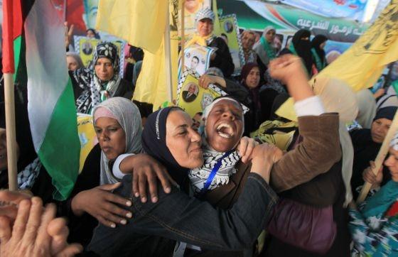 Festejos por el  fin de la huelga de hambre de los presos palestinos