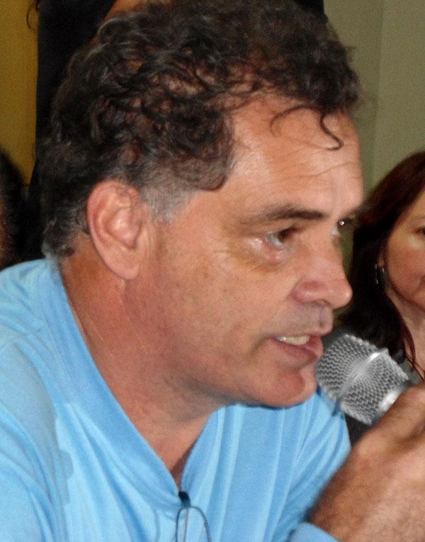 Wellington Cabral - Secretario General Sindicato Químicos San José dos Campos y Región San Pablo, Brasil saluda al IV Congreso mundial de la UIT-CI