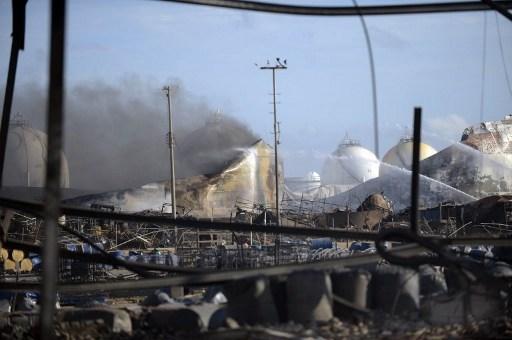 Refinería Amuay en Venezuela después de la explosión.