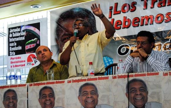 Chirino se dirige a encuentro de dirigentes sociales