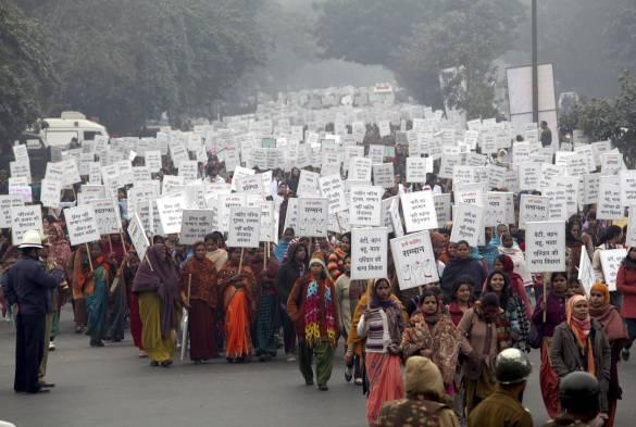 Siguen las manifestaciones contra las violaciones de mujeres en India