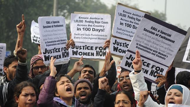 Protesta en Nueva Delhi reclamando más protección para las mujeres
