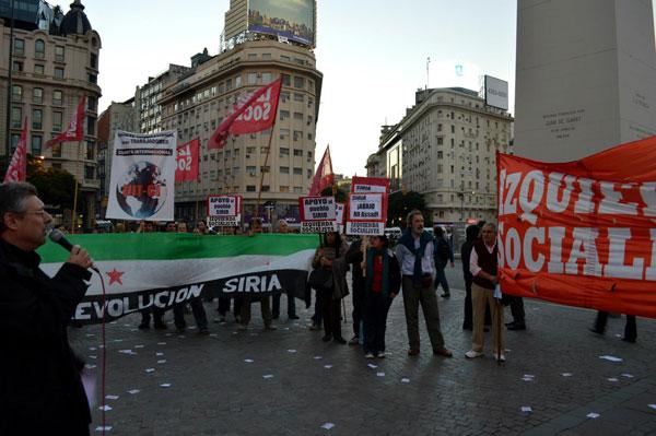 José Castillo dirigente nacional de Izquierda Socialista habla en el acto de Buenos Aires en apoyo al pueblo de Siria