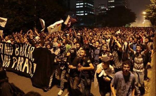 Brasil: cientos de miles de manifestantes ganan las calles contra el aumento de tarifas del transporte y los gastos por la copa del mundo