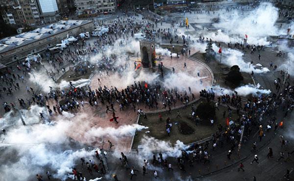 Turquía: más de una semana resistiendo la represión brutal de la polícia