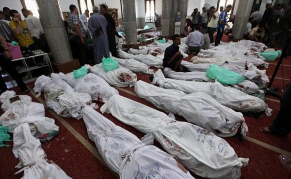 Muchos de los cuerpos tenían disparos en la cabeza o el pecho, mostrando claramente el accionar de francotiradores del Ejército