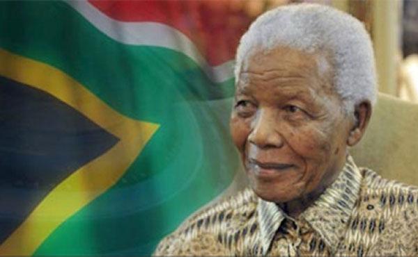 Los dos rostros de la trayectoria de Mandela. El de la lucha revolucionaria contra el régimen racista y el posterior, de sostén del capitalismo en Sudáfrica.