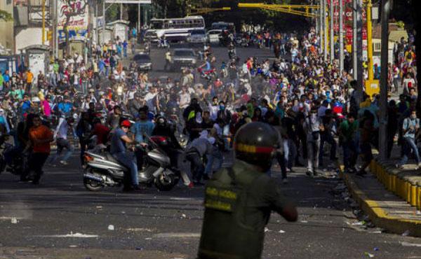 Rechazamos represión del gobierno y acciones de bandas armadas - Tres fallecidos, casi 70 heridos y un número similar de detenidos en Caracas y otras ciudades