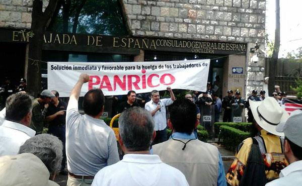 Acto en la Embajada de España a las y los trabajadores de Panrico