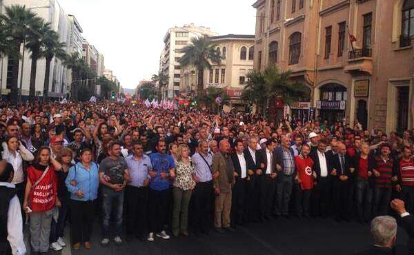 Hubo inmensas marchas a pesar de que los funcionarios del gobierno en Soma prohibieron todas las manifestaciones públicas en las calles.
