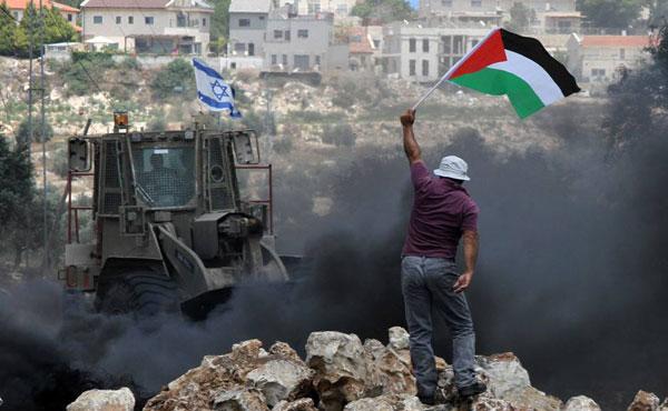 Con el pretexto del asesinato de 3 jóvenes adolescentes israelíes, colonos en Cisjordania, Israel desató nuevamente ataques genocidas contra los palestinos, con bombardeos y destrucción de viviendas en Hebrón y en la Franja de Gaza.