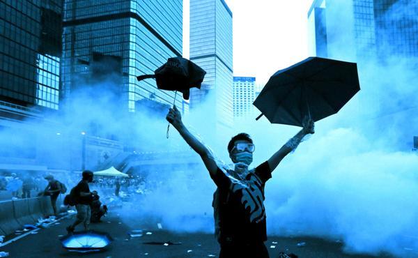 Continúan las multitudianrias protestas en Hong Kong