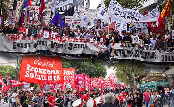 Como cada año desde el regreso de la democracia, en las principales ciudades de Argentina se realizaron marchas y actos en memoria de los 30.000 luchadores detenidos desaparecidos y contra la impunidad de ayer y de hoy