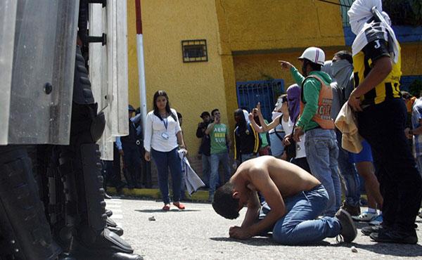 El Partido Socialismo y Libertad repudia enérgicamente el asesinato de Kluiverth Roa, estudiante de 14 años del liceo Agustín Codazzi, acaecido en la ciudad de San Cristóbal en el día de ayer.