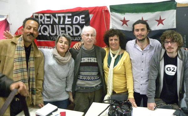 Desde la izquierda: Fathi Chamkhi, de la LGO de Túnez; Cristina Mas (Lucha Internacionalista-LI, Estado Español); Salamah Kaileh; Laura Marrone (Izquierda Socialista, Argentina); Gorkem Duru (IDP, de Turquía) y Antonio, militante de LI.