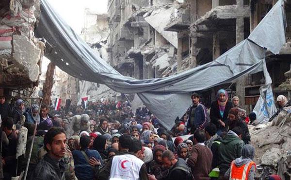 El barrio palestino de Yarmuk, al sur de Damasco, sufre desde mediados de 2013 un asedio, por parte de la dictadura de Basahr Al Assad, que ha llevado a una profunda crisis humanitaria.