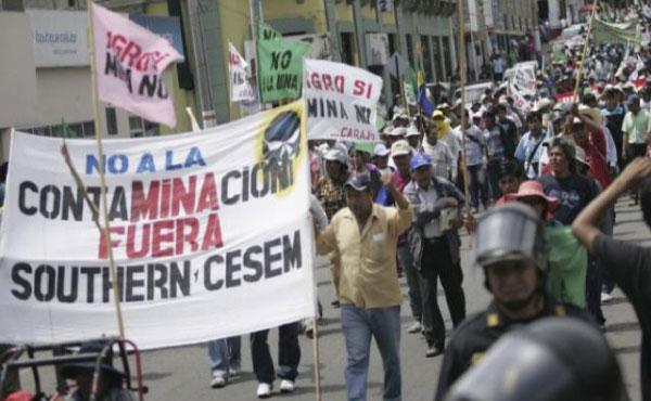 """El pueblo del Valle de Tambo viene sosteniendo una enorme y desigual lucha por defender su agricultura contra un proyecto minero depredador a cielo abierto denominado """"Tía María"""" de la empresa  mexicano-estadounidense Southern Copper Corporation (SCC)."""