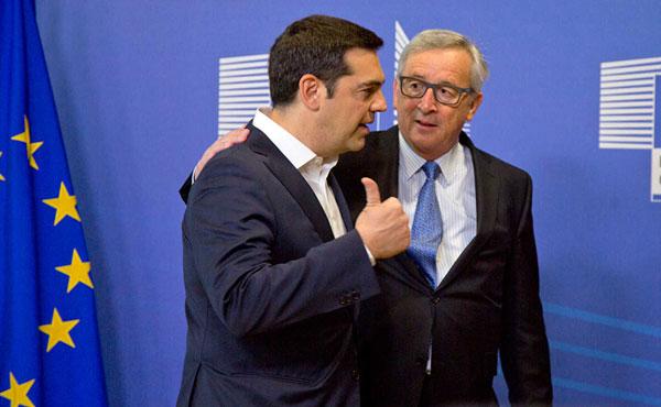 El gobierno de Syriza, encabezado por Alexis Tsipras, que se reclama de izquierda, terminó cediendo y pactando nuevos ajustes contra el pueblo griego. El ala izquierda de Syriza salió a oponerse y a denunciar el pacto de su gobierno. También lo hicieron otros sectores de la izquierda griega.