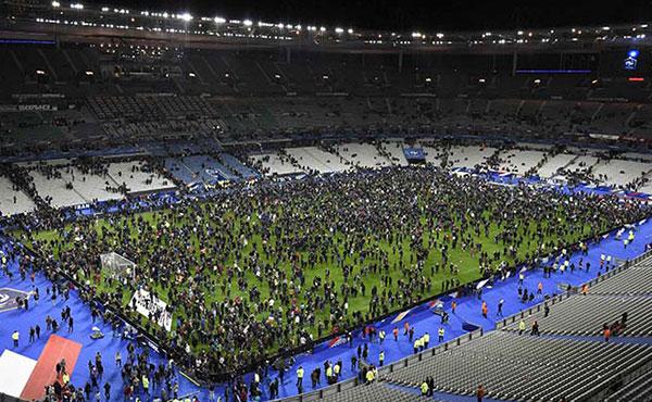 Repudiamos los atentados del ISIS en Francia!