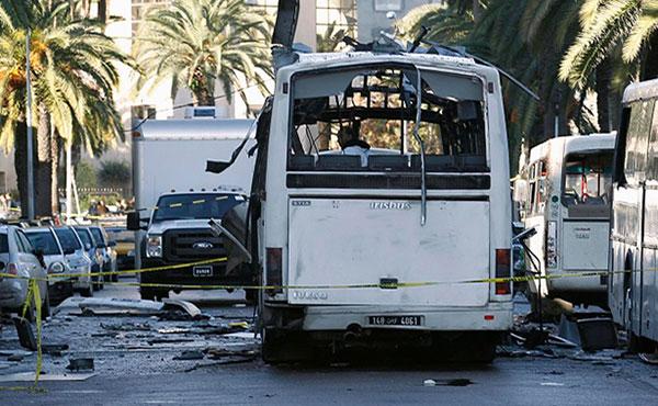 ¡Condenamos el ataque de ISIS en Túnez! Rechazamos las implementaciones represivas del gobierno de Túnez! ¡No al estado de emergencia! No al toque de queda, la prevención a los derechos de huelga, de reunión y de manifestación en protesta!