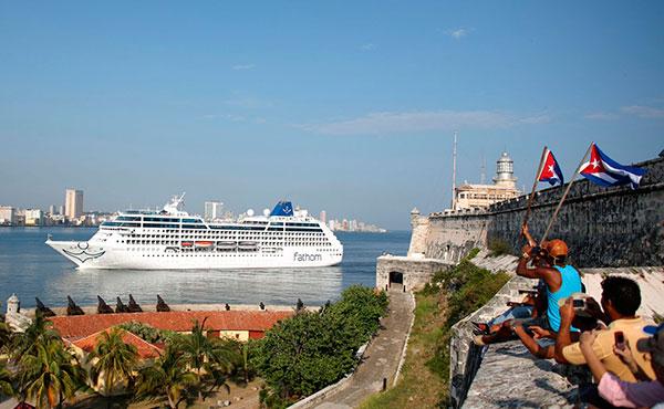 Llega a La Habana el crucero yanqui Adonia