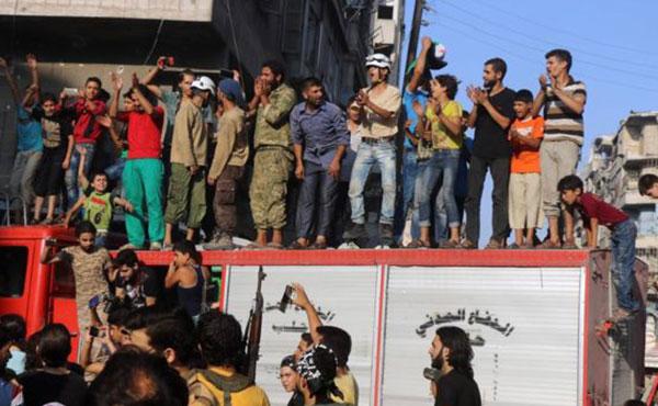 Festejos tras romper el cerco en Alepo