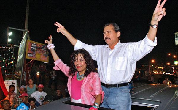 Ortega y su esposa a perpetuidad