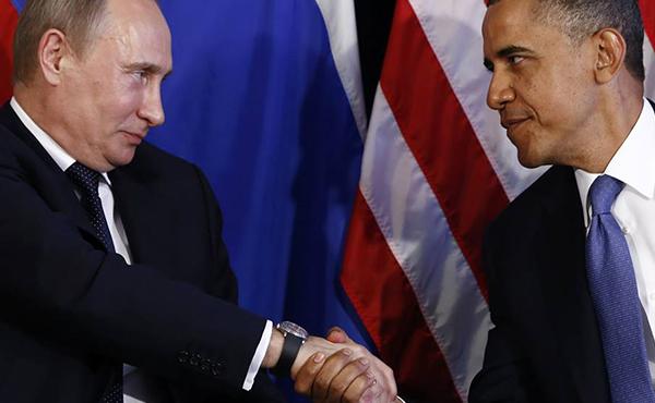 Escritores, artistas y periodistas sirios condenaron las políticas estadounidenses y rusas en Siria