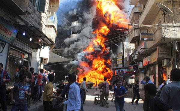 En Siria existe una guerra civil. El origen de esa guerra civil no fue ninguna agresión imperialista sino la acción contrarrevolucionaria de Al Assad contra una revolución popular que empezó en marzo del 2011 como parte de la oleada revolucionaria que se inició poco antes en Túnez y Egipto.