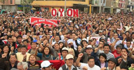 Huelga de maestros peruanos