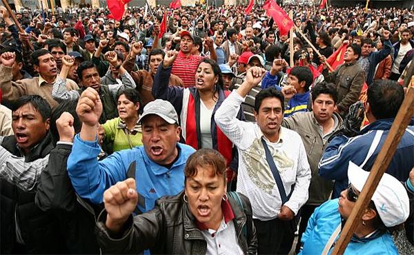 maestros peruanos en lucha