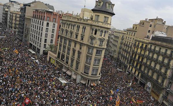 movilización independentista y huelga general en Barcelona