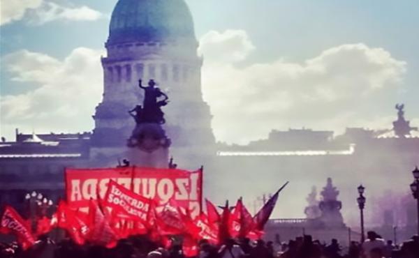 Socialist Left protests against Macri