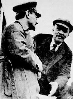 Trotsky y Lenin