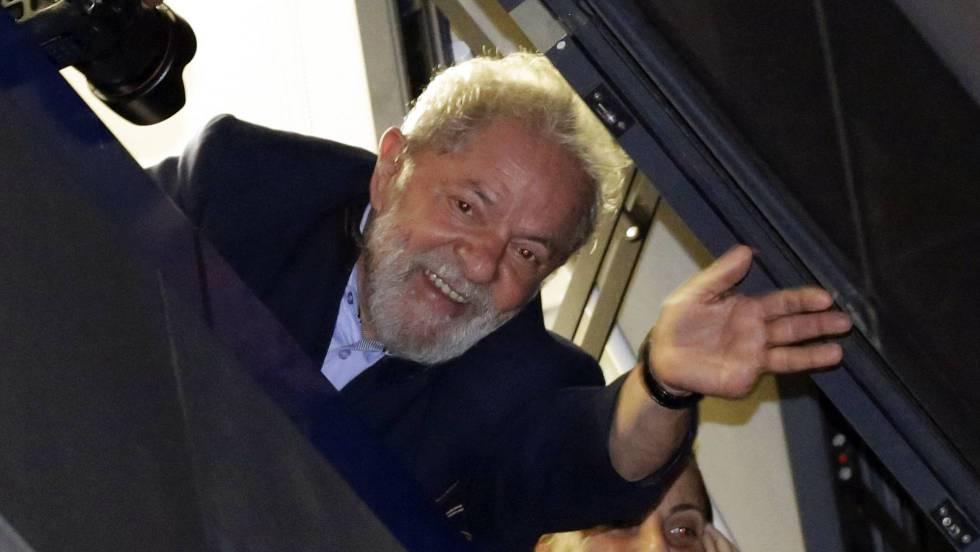 Lula en la noche luego del pedido de encarcelamiento