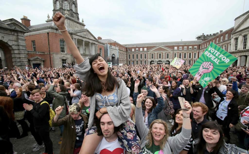 En Dublin festejos por el Plebiscito