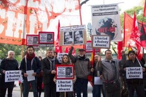 Concentración en la embajada de Venezuela por libertad de Rodney Alvarez