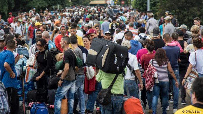 Masiva emigración de venezolanos