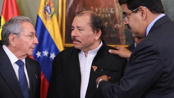 Raul Castro Ortega y Maduro