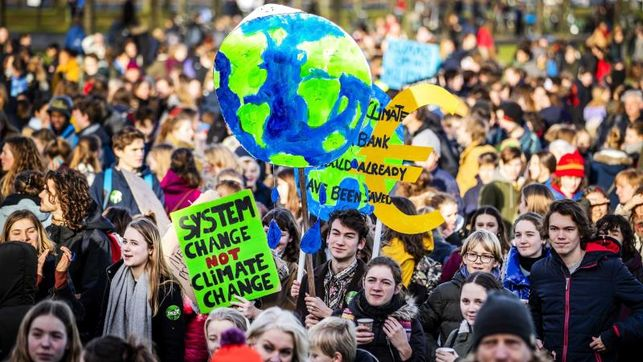 estudiantes-marchan-cambio-climatico EDIIMA20190207 0648 4