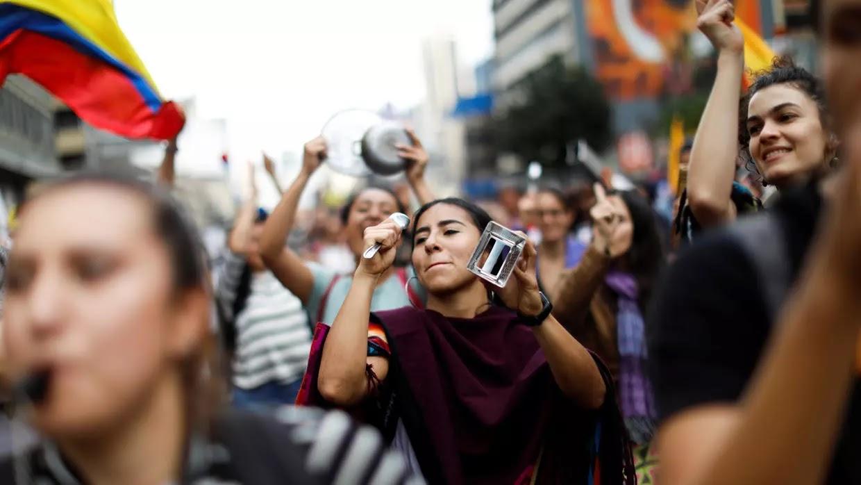 w1240-p16x9-Protestas-en-Colombia-cacerola-analisis-Reuters