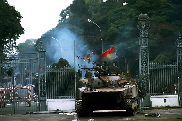 north vietnamese tank saigon
